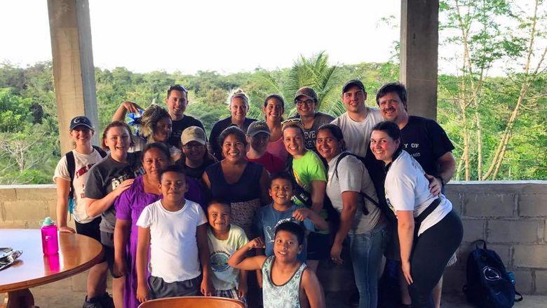 Group photo of ASB Volunteers in Belize